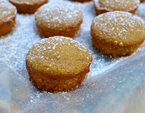 pumpkin almond mini cakes