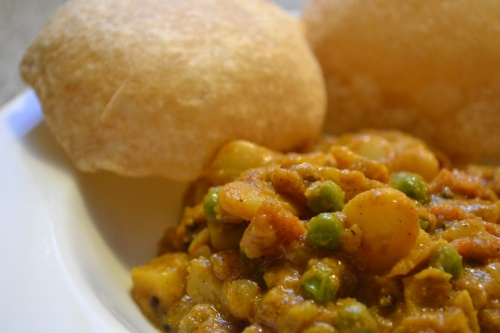 butter bean curry and puris
