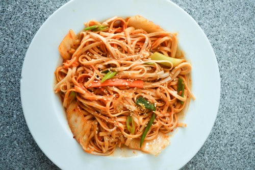 bibim guksu, Korean spicy cold noodles
