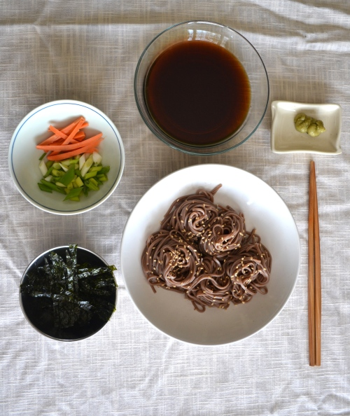 soba noodles with toppings
