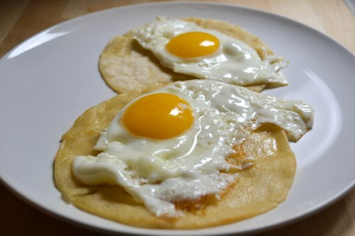 fried eggs for huevos rancheros