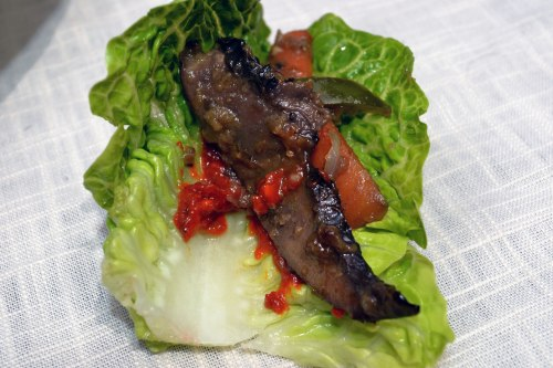 mushroom bulgogi wrapped in lettuce