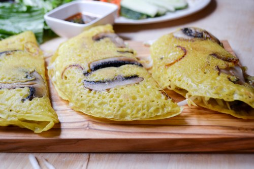 banh xeo with mushrooms
